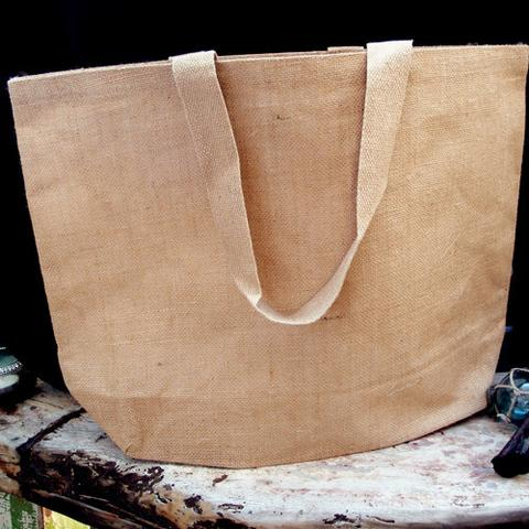 11407d5b7be4b One of the most stylish and best spring holiday bags is the oversized  travel jute tote. This biodegradable