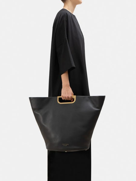 All-Black-Artsy-Outfit-Tote-Bag