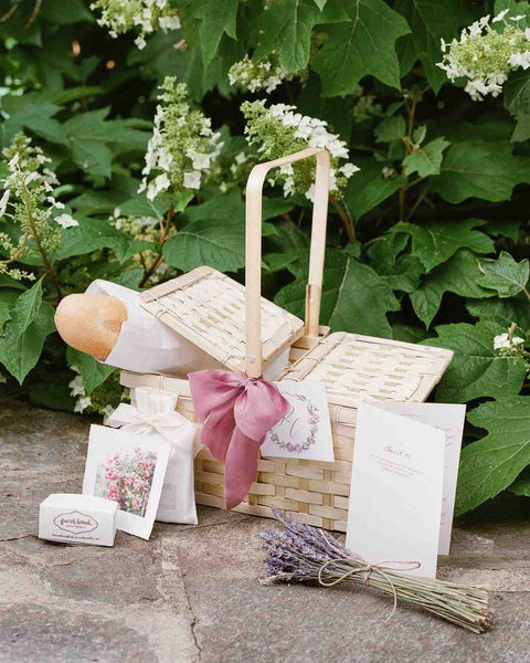 Romantic-Picnic-Basket