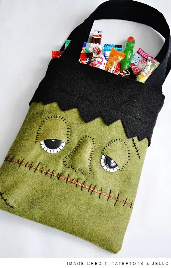 1ba443b679a 12 DIY Halloween Trick-or-Treat Tote Bags and Drawstring Bags Ideas Yo