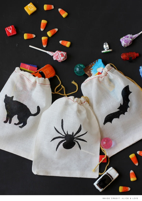Stenciled Halloween Treat Bags