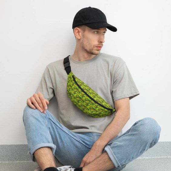 Casual-Outfit-Army-Print-Fanny-Pack-Men