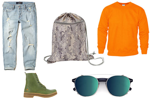 outfit with boyfriend jeans, orange sweater and camo drawstring backpack