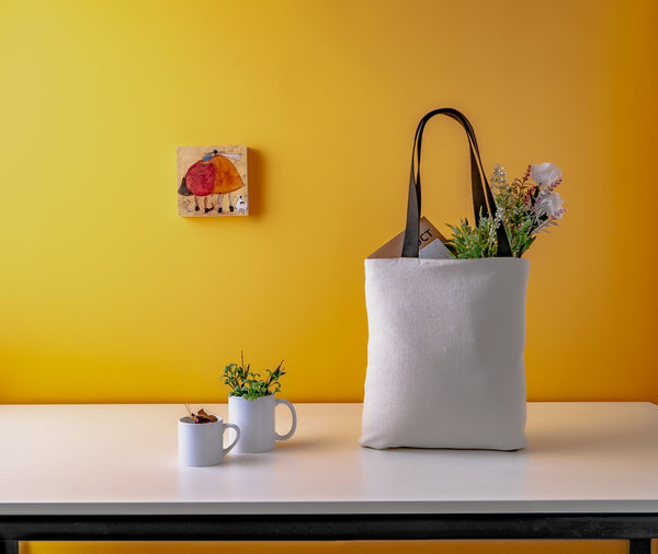 Tote-Bags-Flowers-Yellow-Wall