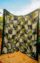 Load image into Gallery viewer, Black & Green Palm Quilt