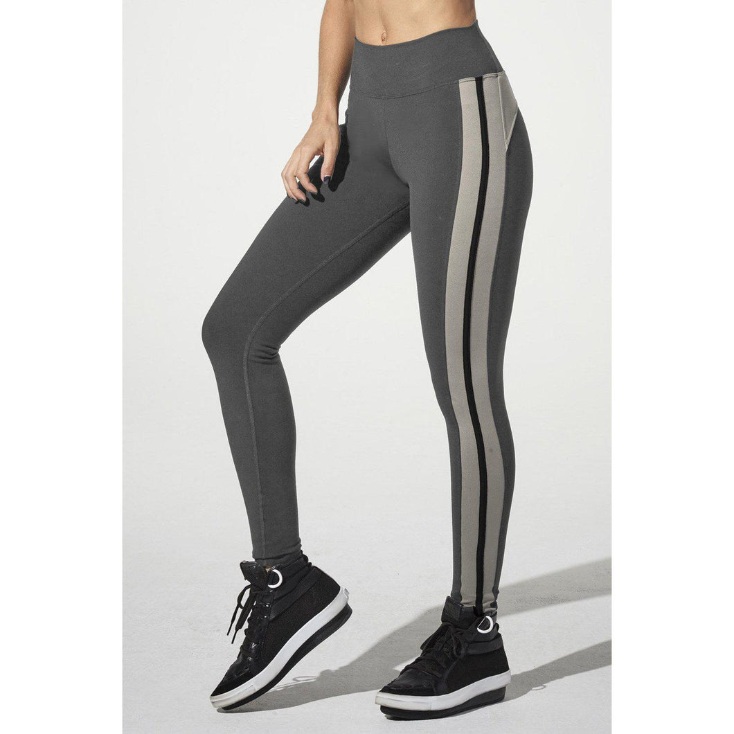 Deja Who legging from 925 Fit available at studio 128.