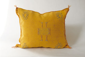 No. 33 Acid Yellow Sabra Silk Pillow