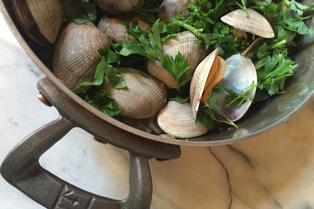 3 Quart Rondeau with clams