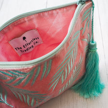 Load image into Gallery viewer, Velvet palm leaf pouch bag