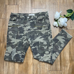 THRIFTED CAMO PANTS