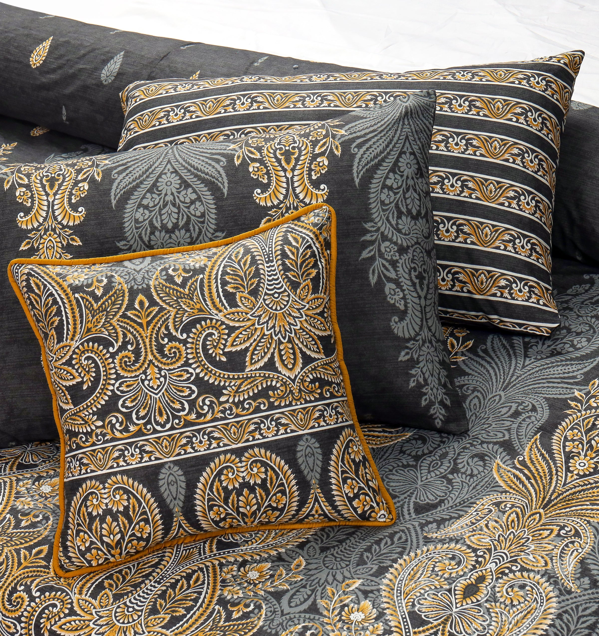 4 Pillows King Cotton Bed Sheet - Golden Empires