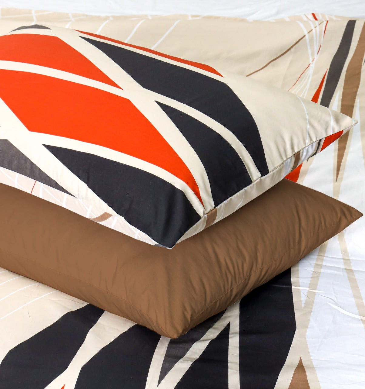 2 Pillows Bed Sheet  - Symmetric Orange