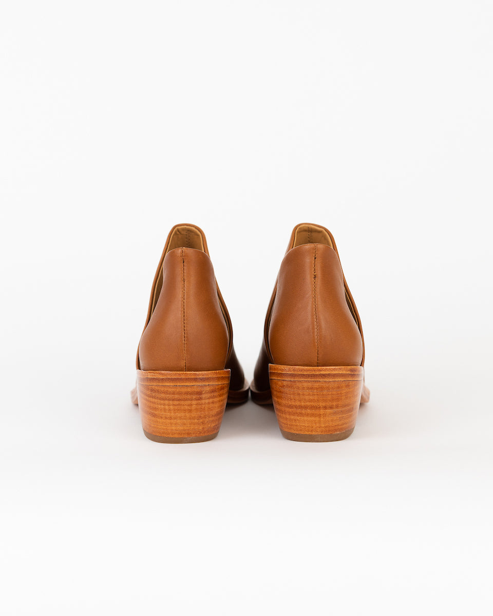 Clementines Seattle Womens Shoes Fortress of Inca Leather Camel Wood Handmade