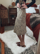 Load image into Gallery viewer, Danica Leopard Print Midi Skirt