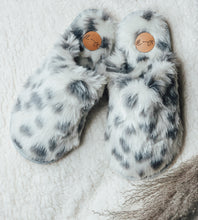 Load image into Gallery viewer, Aspen Faux Fur Slippers