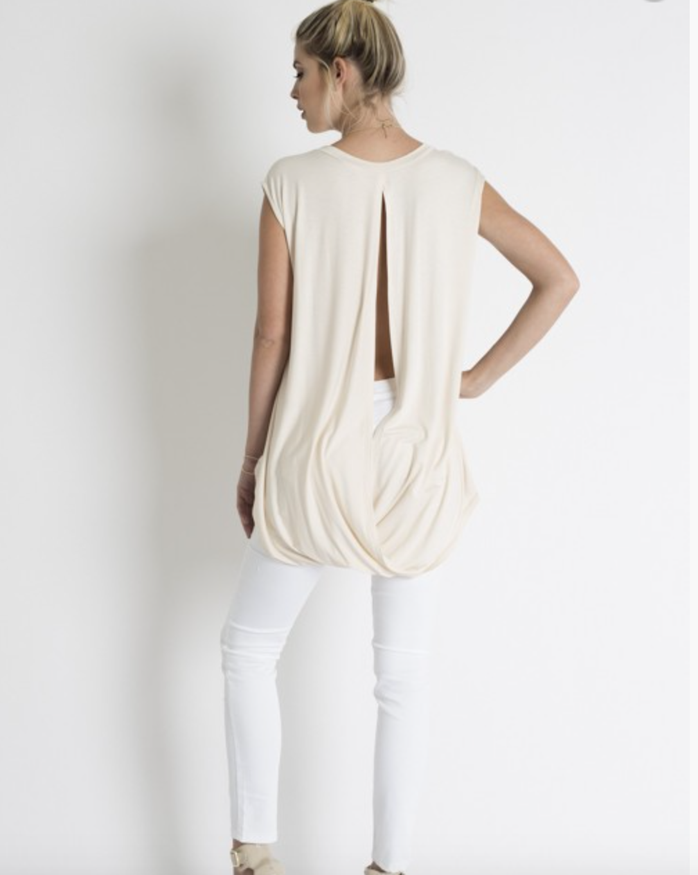 Love In back slit high low top
