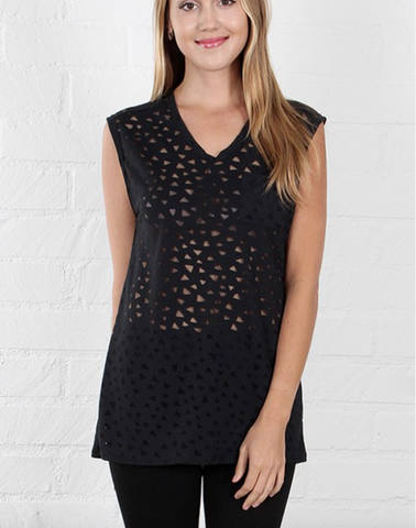 Promesa patch pocket top featuring vneck