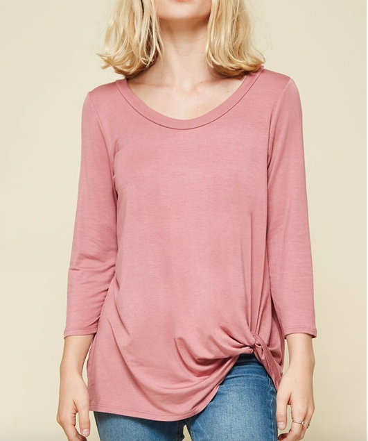 Promessa round neck, 3/4 sleeves, knotted hem detailed top