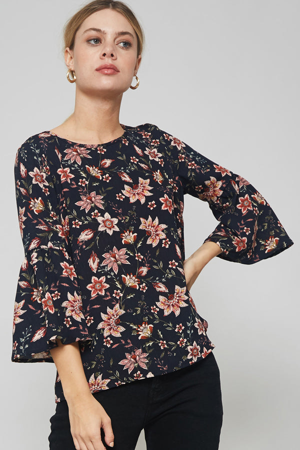 Promesa floral print, trumpet sleeves blouse w/with keyhole detail back
