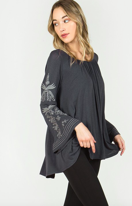 Monoreno Bell Sleeve Pleated Top
