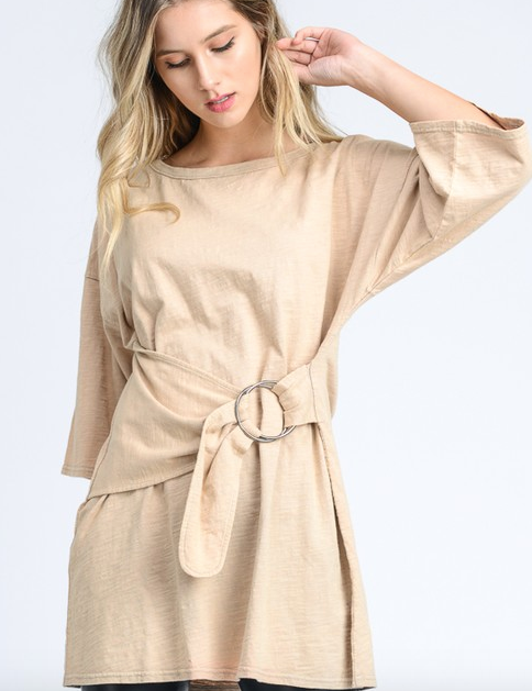 Doe & Rae Big Ring Belt Slouchy Tee