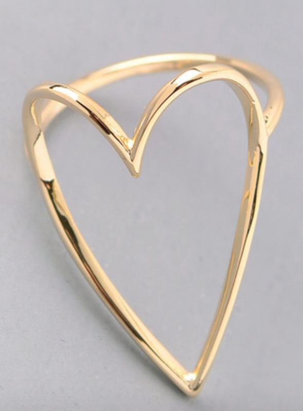 Fame heart cut out ring