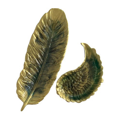 Feather-shaped jewelry plate