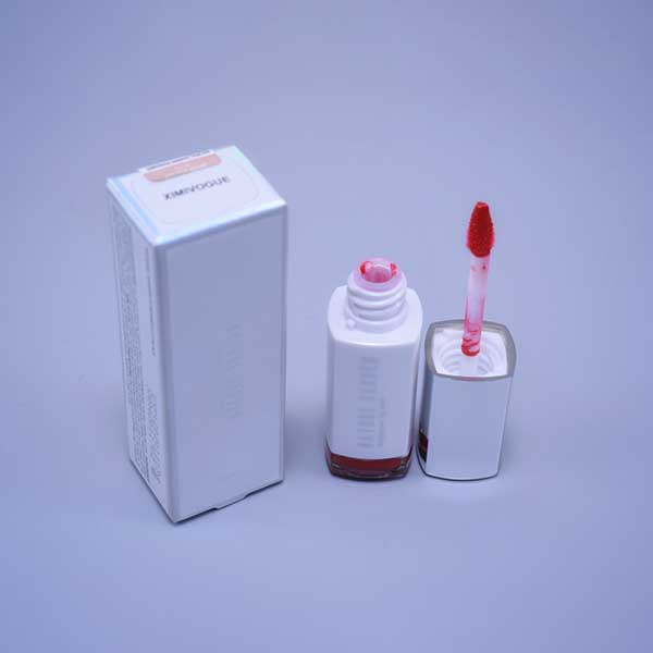 COSMETICS (LIP Gloss)