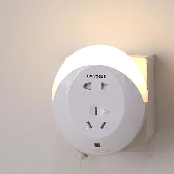 Electric Extension Outlet With Led Night Light