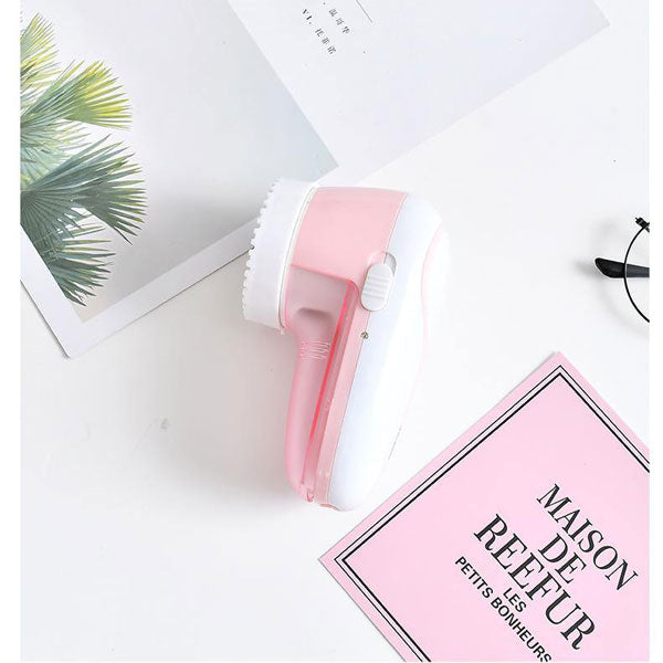 Portable Rechargeable Lint Remover for Home Use