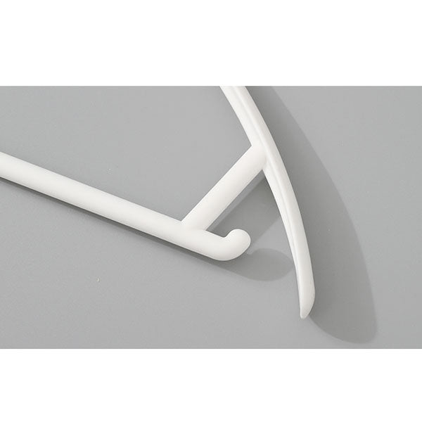 Simple Style Crease-Free Clothes Hangers