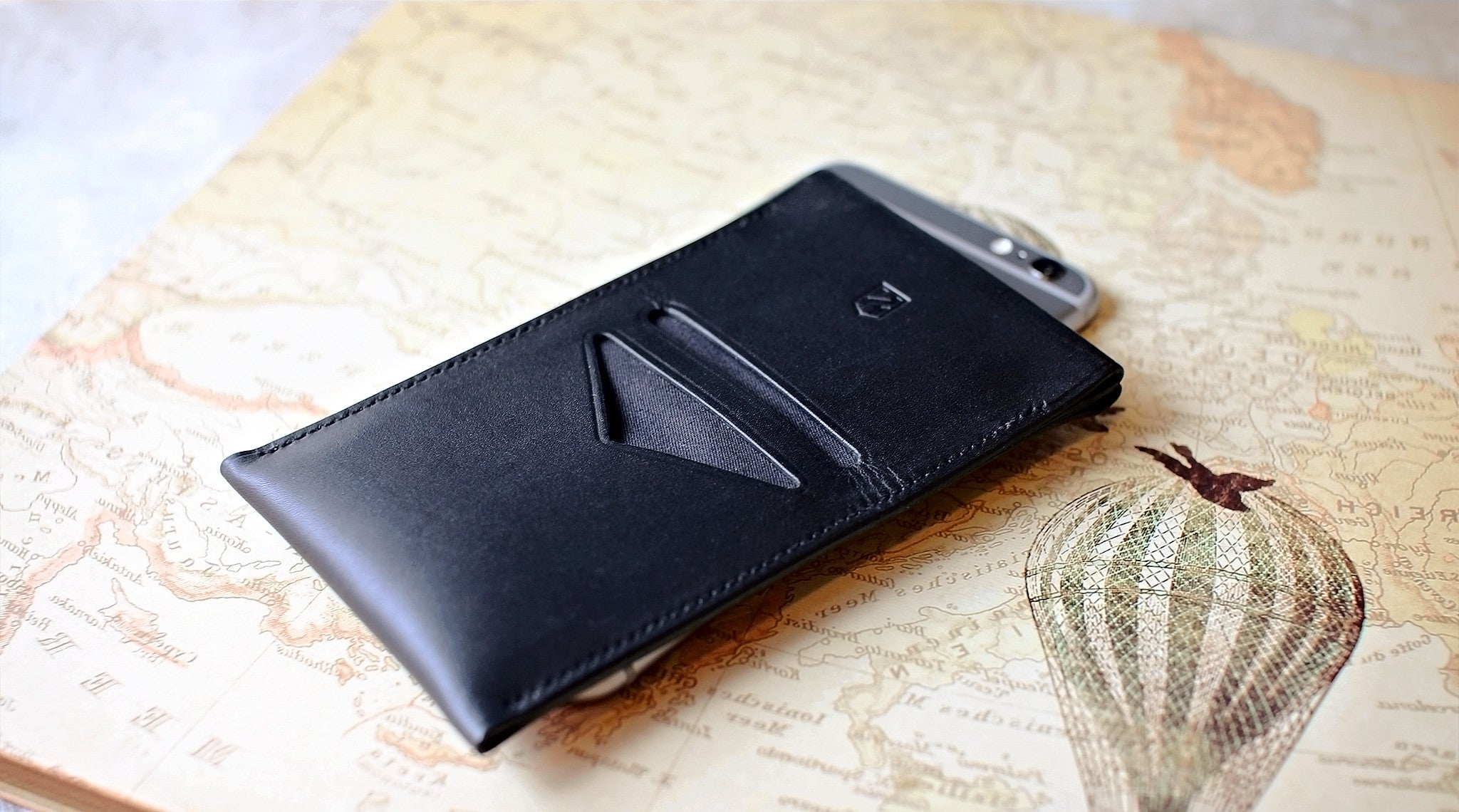 PHONE WALLET SLEEVE / Black