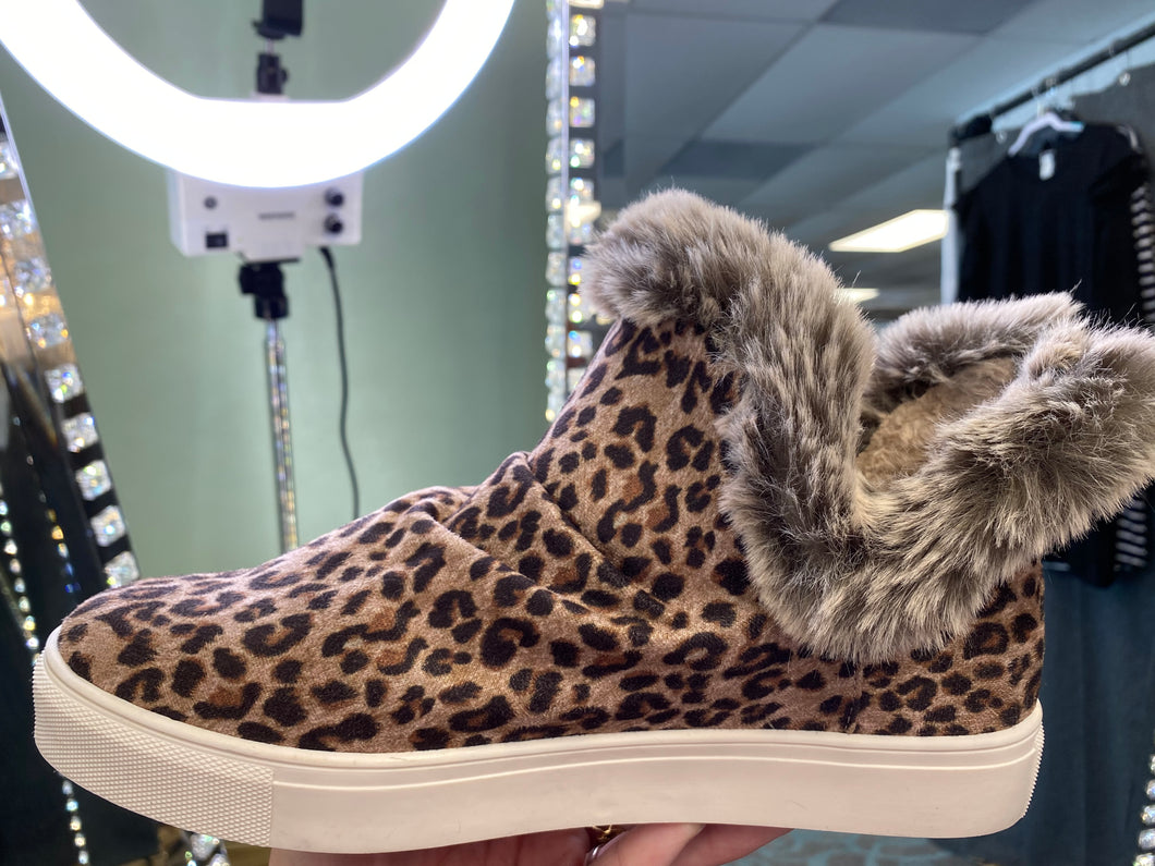 Plush Leopard Lined Booties
