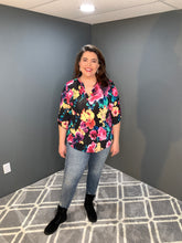 Load image into Gallery viewer, Black 3/4 Length Floral Top