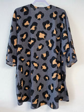 Load image into Gallery viewer, Charcoal Cheetah Print Kimono