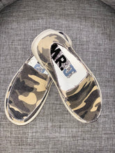Load image into Gallery viewer, Jon Green Camo Slip On