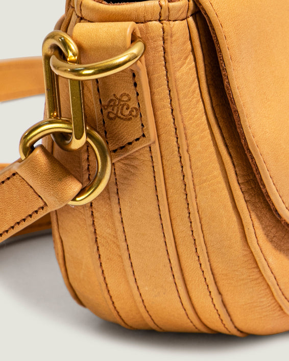 Azalea Saddle Crossbody - apricot detail