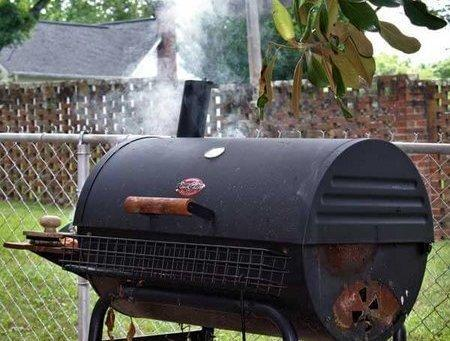 How to Use A Charcoal Smoker - HighEndGrillers