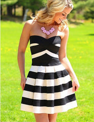 Fashion Strapless Striped Chest Dress