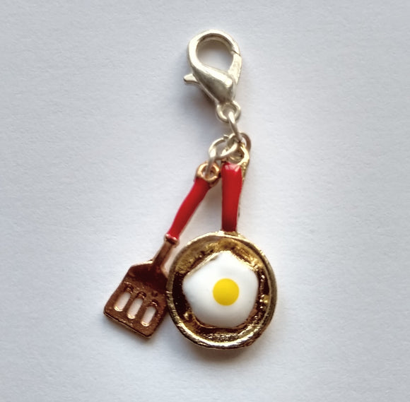 Egg Frying Pan and Spatula progress keeper/stitch marker