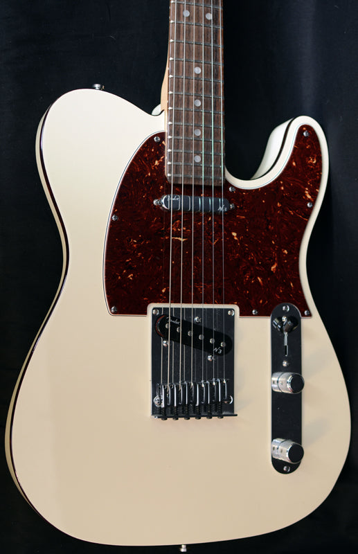 Used Fender American Deluxe Telecaster Blizzard Pearl