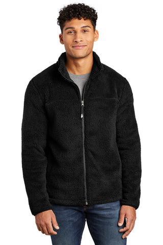 Man wearing The North Face NF0A47F8 Fleece in Black from Port City Apparel