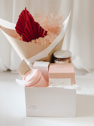 BLUSH VALENTINE GIFT BOX