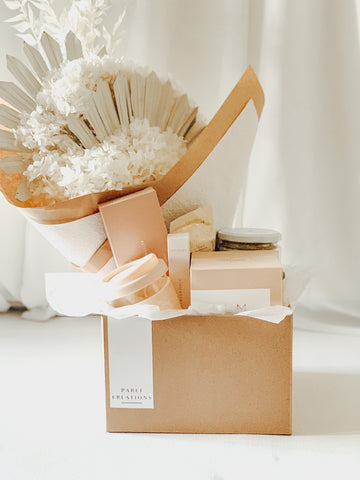 NEUTRAL VALENTINE GIFT BOX