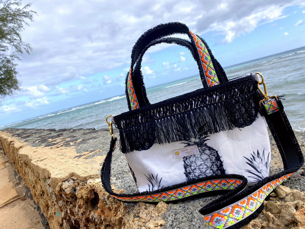 Big Black Pineapple Tote Type A