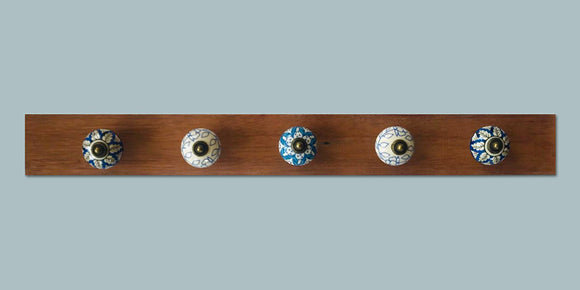 Rustic coat hanger - 5 knobs