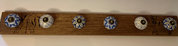 Rustic wood rack - 6 knobs