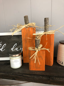 Primitive Wood Pumpkin Set