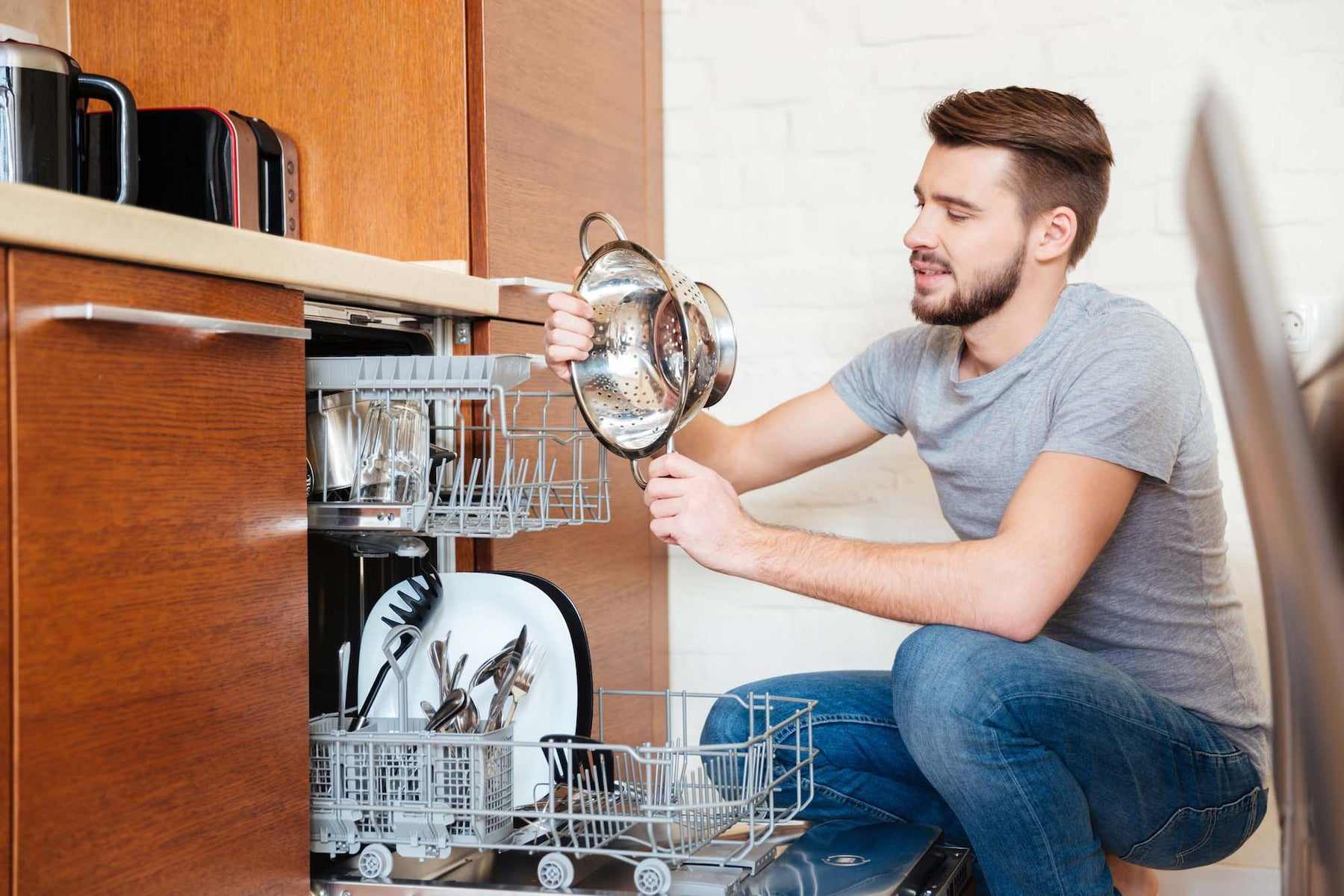 How to Clean Your Dishwasher For Less Than $2 a Month