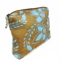 Load image into Gallery viewer, Mesh Pouch - Olive